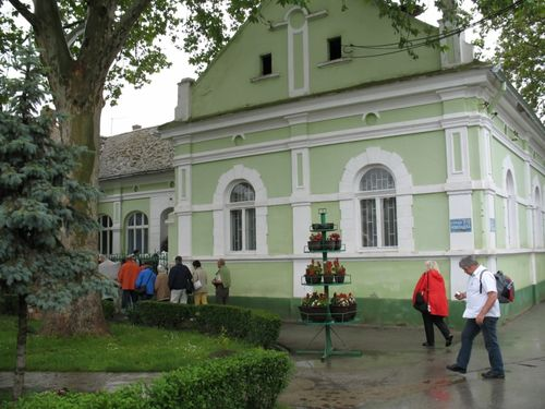 "Picture 5 –The town hall (community hall, formerly of Jarek and currently of Bački Jarak. Between 2006 and 2010 the ""ochre"" color (see ""starting page"") has changed to ""green"")."